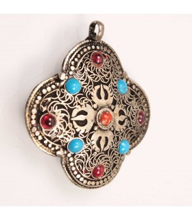 Floral shaped pendent