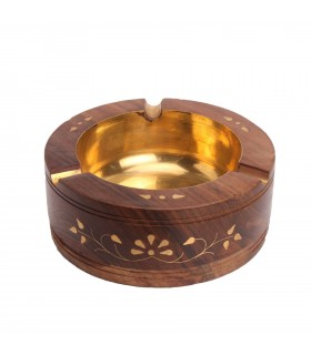 FASCINATING WOODEN ASHTRAY