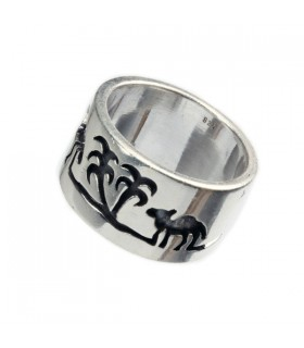 Tree and Camel etched Sliver Ring